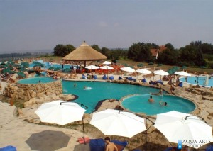 5.Izvedena prva faza Kompleksa - otvoreni bazeni sa parternim uređenjem u Surduku