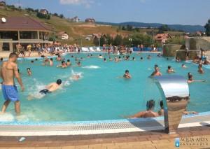 3.Rekreativni bazen sa vodenim atrakcijama u Tutinu