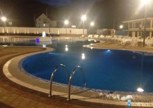 7.Zona za skokove od 3,5m dubine u rekreativnom bazenu u Tutinu, noću