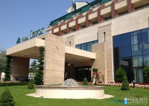 13.Fontana Polusfera ispred ulaza Hotela Izvor u Aranđelovcu, Projekt i isporuka opreme za fontane