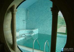 3.Pogled na bazen i hidromasažu kroz kružni prozor, privatni objekat, Grocka