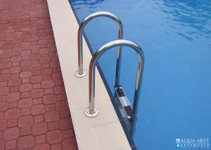 5.Detalj penjalica u privatnom otvorenom bazenu u Smeredervu