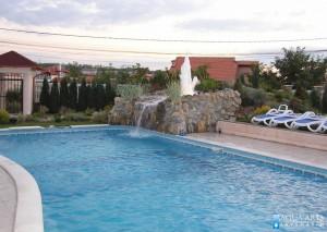 1.Isporuka i montaža bazenske opreme za otvoreni bazen sa vodenima atrakcijama, Beograd