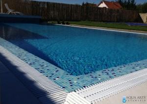 2.Otvoreni privatni bazen, pravougonog oblika Velika Moštanica