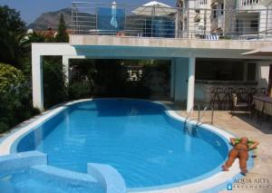 3.Otvoreni bazen sa jacuzzi kadom uz vilu za turiste u Budvi
