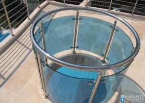 6.Detalj pogleda na bazen kroz otvor na galeriji, Vila Perović, Budva